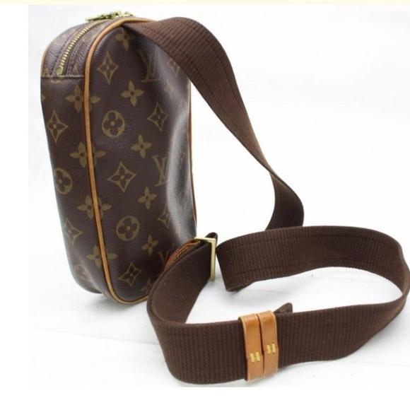 1a876e257ee0 Louis Vuitton Handbags - LV chest bag